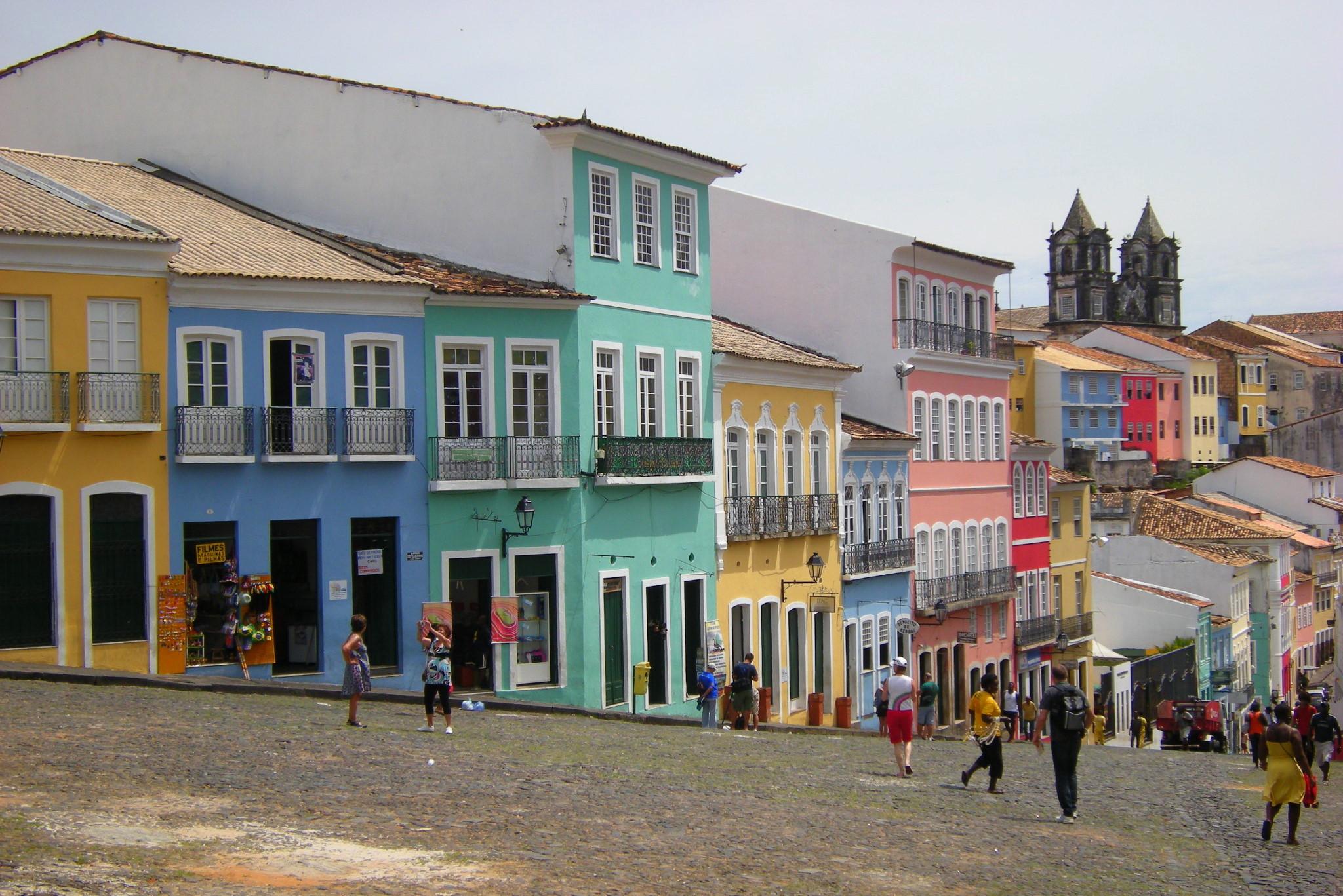 Στη Λατινική Αμερική ξέρουν να βάζουν χρώμα στη ζωή τους! Θαυμάστε τα πιο πολύχρωμα σπίτια του κόσμου! (photo)