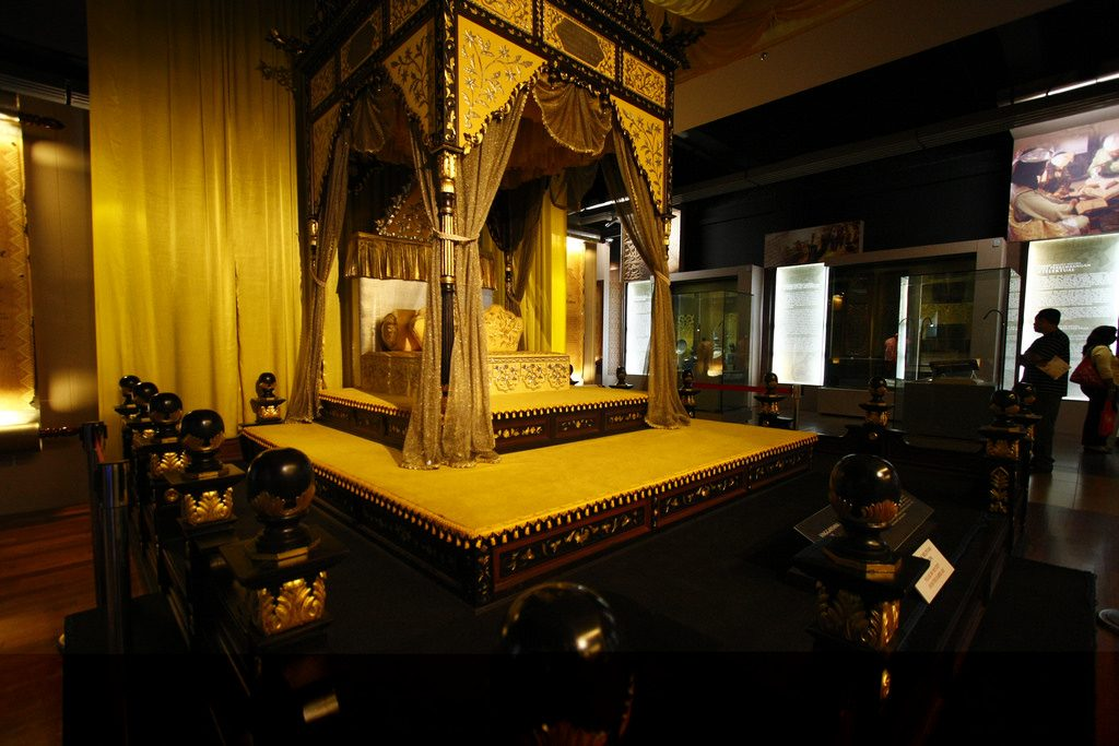 Perak's royal throne | © AI404 / Flickr