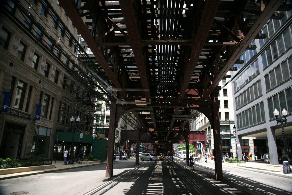 Wabash Avenue is the eastern side of the 'L' loop | © (vincent desjardins)/Flickr