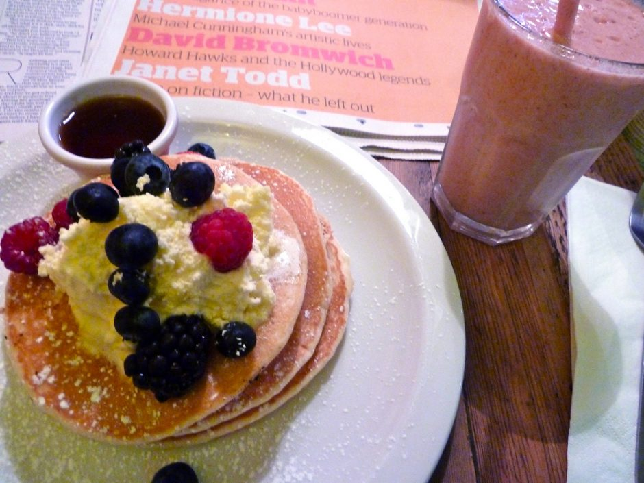 Pancakes and smoothie