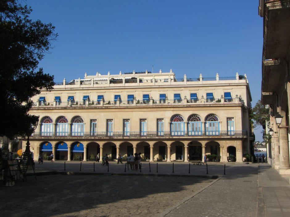 Plaza de Armas, Hotel Santa Isabel | © Stephan Colebourne/Flickr
