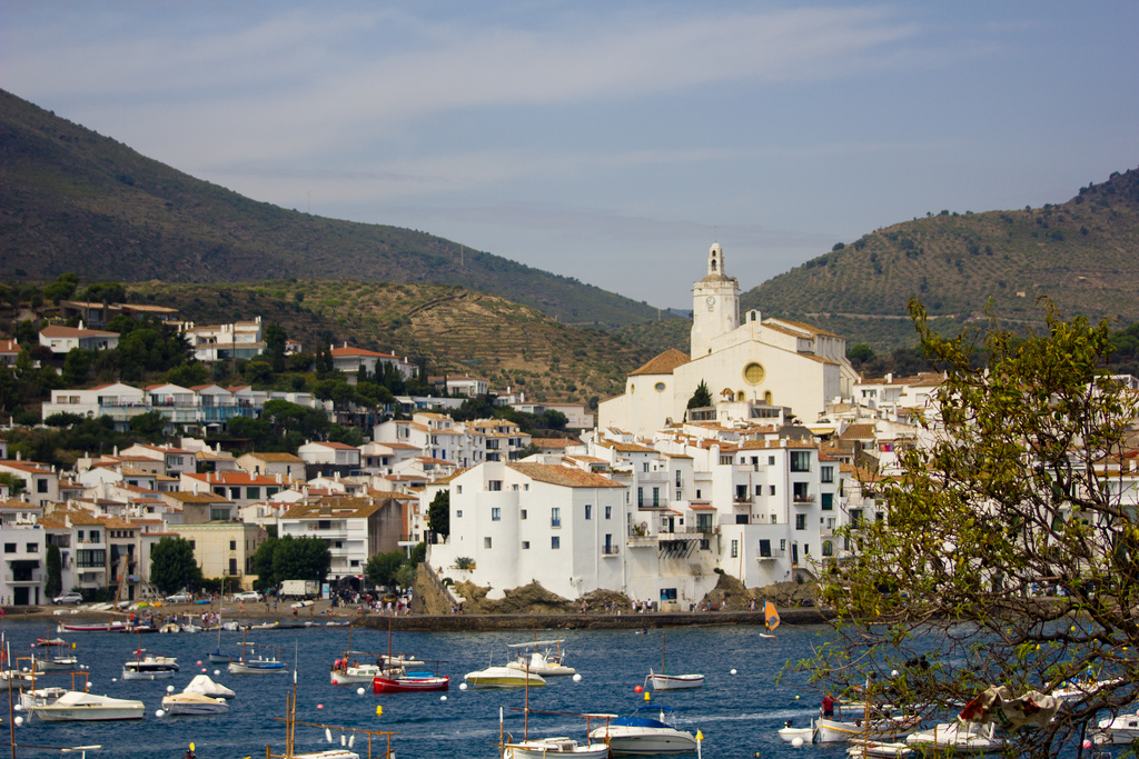 The waterfront in Cadaqués © Pierre-Selim