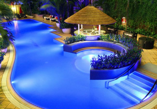 The best places to cool down this summer in ho chi minh city for Stars swimming pool tacloban city