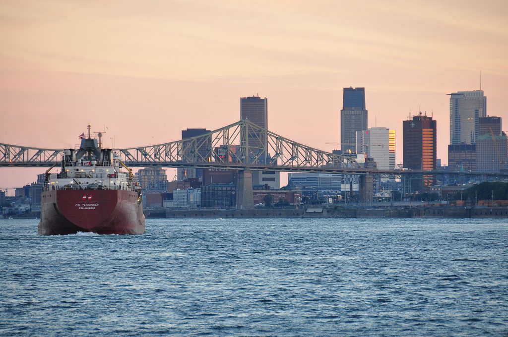 Le Saint-Laurent et le port de Montréal | © abdallahh/Flickr