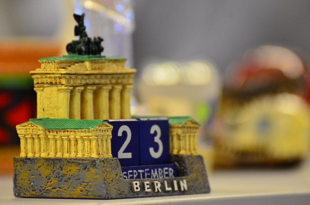 A little model of The Brandenburg Gate | © Ben Sutherland /Flickr