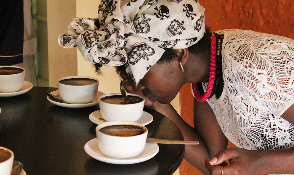 Tasting & smelling different coffee blends| © Jean Wandimi/Authors Own