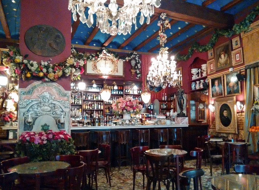 Café de las Horas | © StellarD / Wikimedia Commons