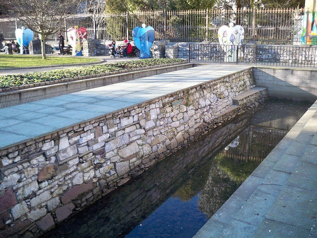 Cork City Walls in Bishop Lucey Park | © IWTN/Flickr