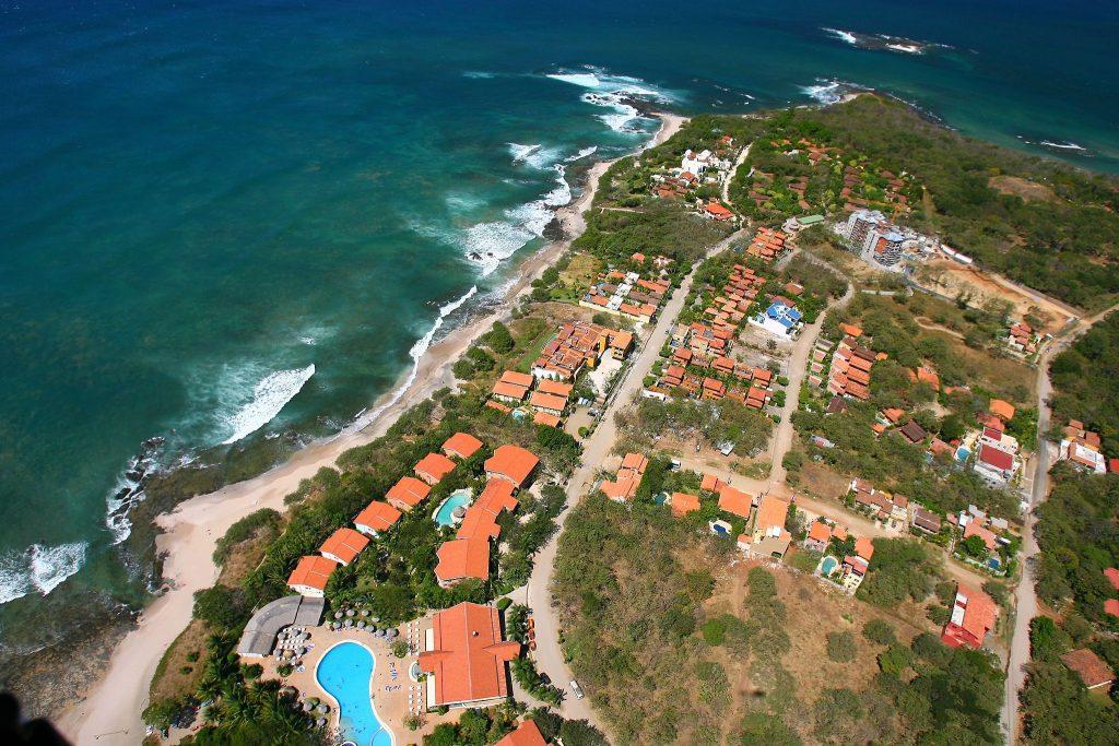 See Costa Rica from above | © Tamarindowiki / Wikimedia Commons
