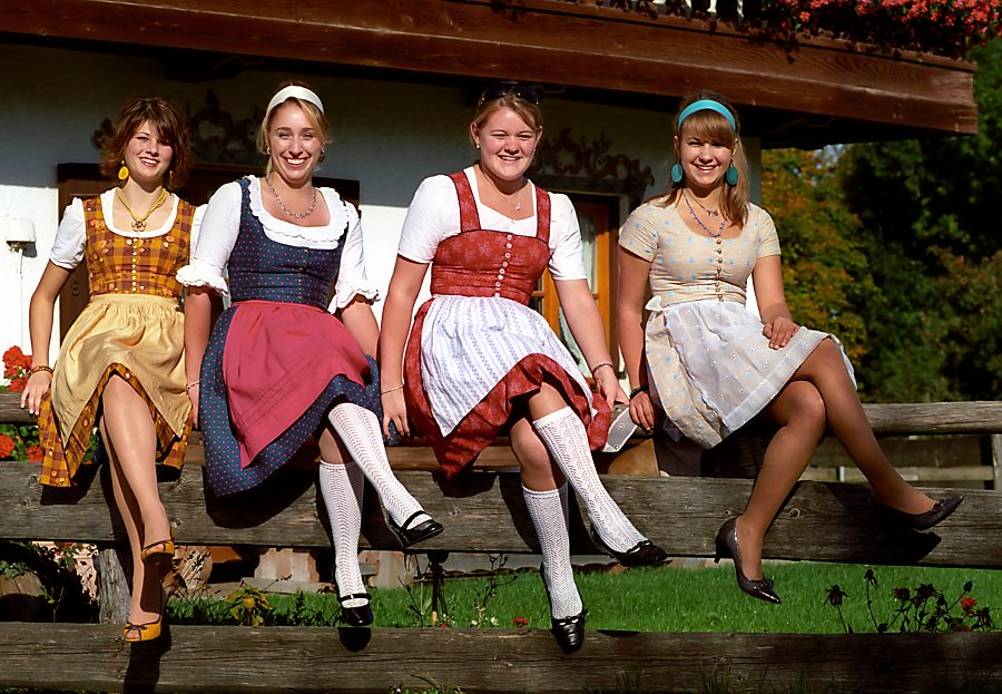 The German Dress That Flatters Every Body Type-8636