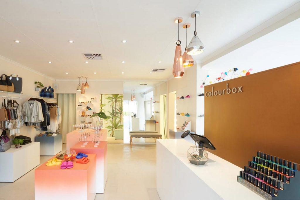 Best fashion boutique Colourbox