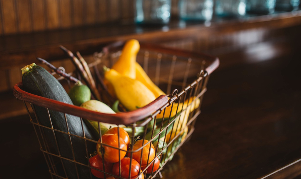 Fresh Fruit   © Brooke Cagle / Unsplash