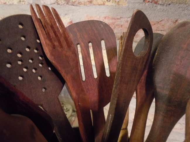 "<a href=""https://commons.wikimedia.org/wiki/File:Handmade_wooden_spoons.jpg"">Beautiful hand-carved wooden utensils 