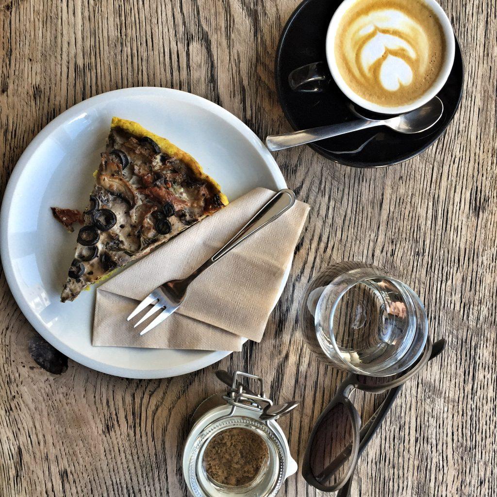 Veggie Torte and Coffee from Brno Cafe| © Mateusz Chojnacki TravlrBlog