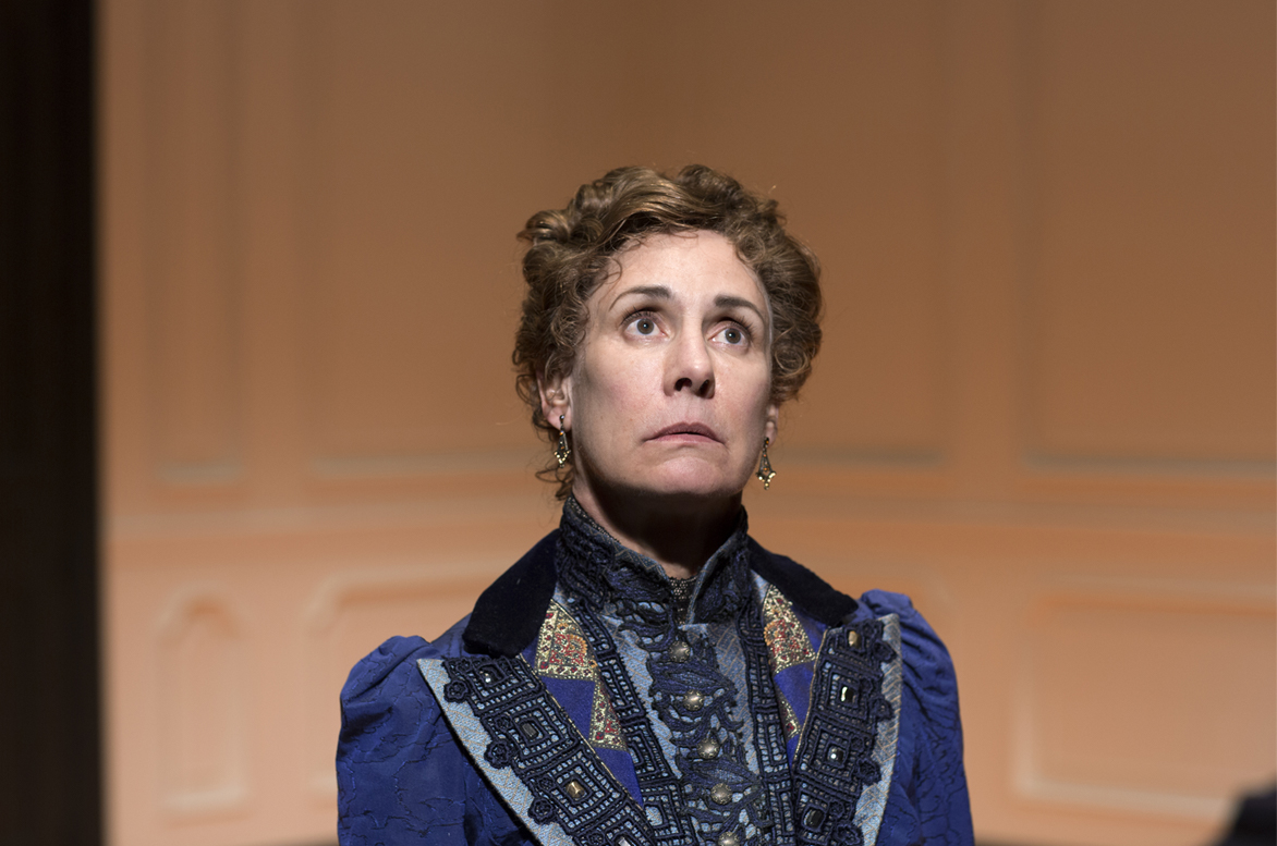 Laurie Metcalf in 'A Doll's House, Part 2' | © Brigitte Lacombe