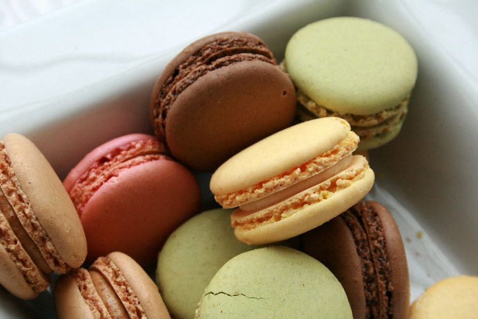 Macarons in a box│© francois / Wikimedia Commons