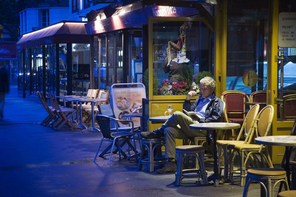 On the Boulevard Saint-Germain │© Jorge Royan / Wikimedia Commons