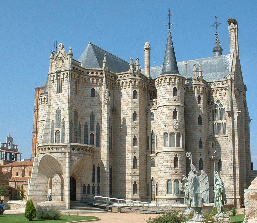 Palacio Episcopal de Astorga | ©Ignacio Cobos Rey / Wikimedia Commons