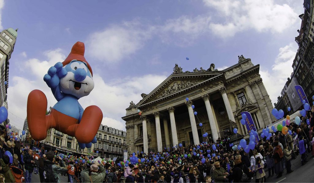 Papa Smurfs at Balloon Day Parade in Brussels | © J.P. Remy / courtesy of visit.brussels