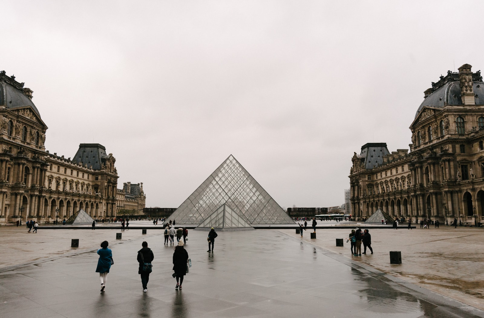 history of the louvre in 60 seconds