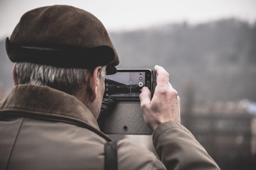 Camera   Fabrizio Verrecchia / Unsplash