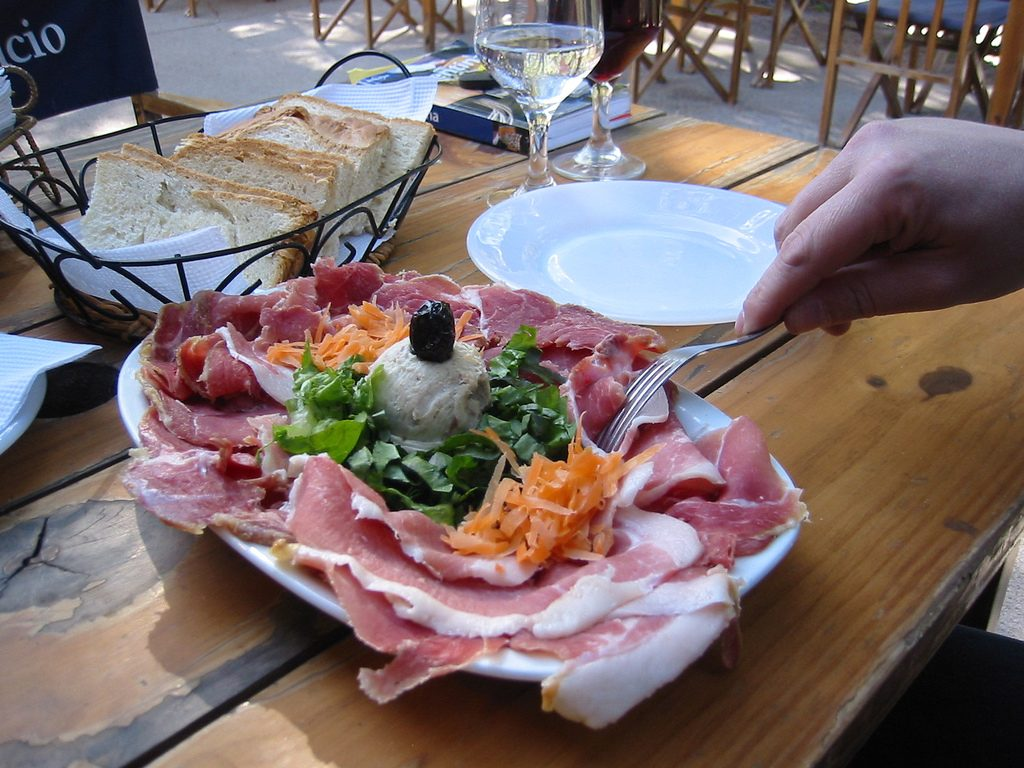 A picada dish served at a restaurant in Argentina | © Tjeerd Wiersma / Flickr