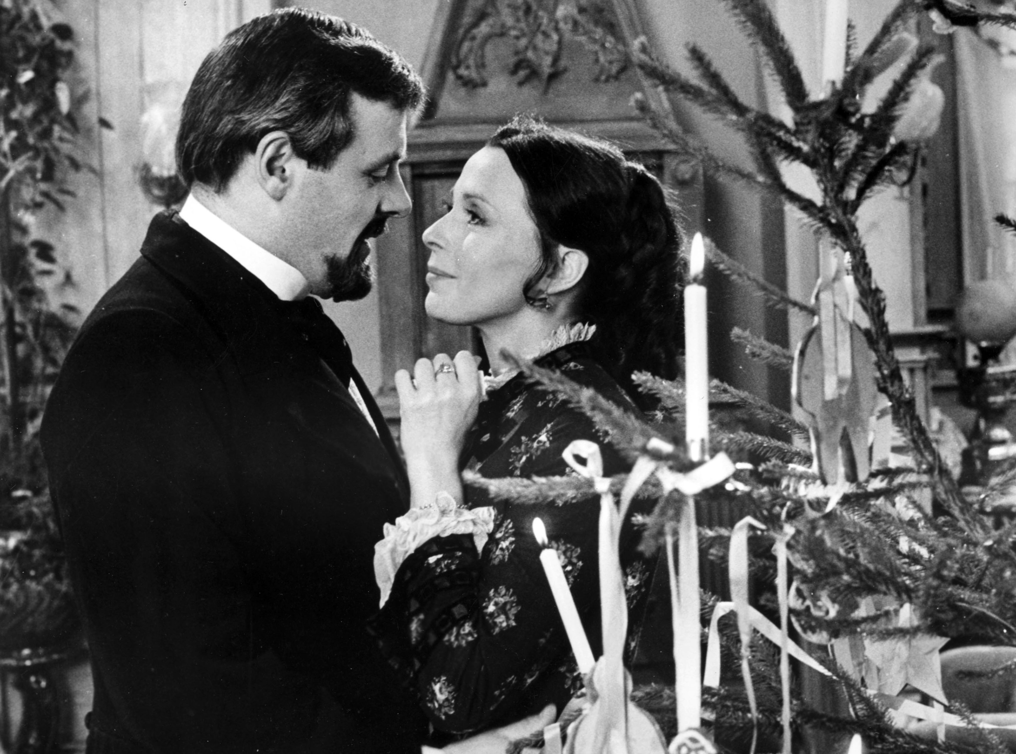 Anthony Hopkins and Claire Bloom in Joseph Losey's 1973 film version | © World Film Services/Films La/REX/Shutterstock