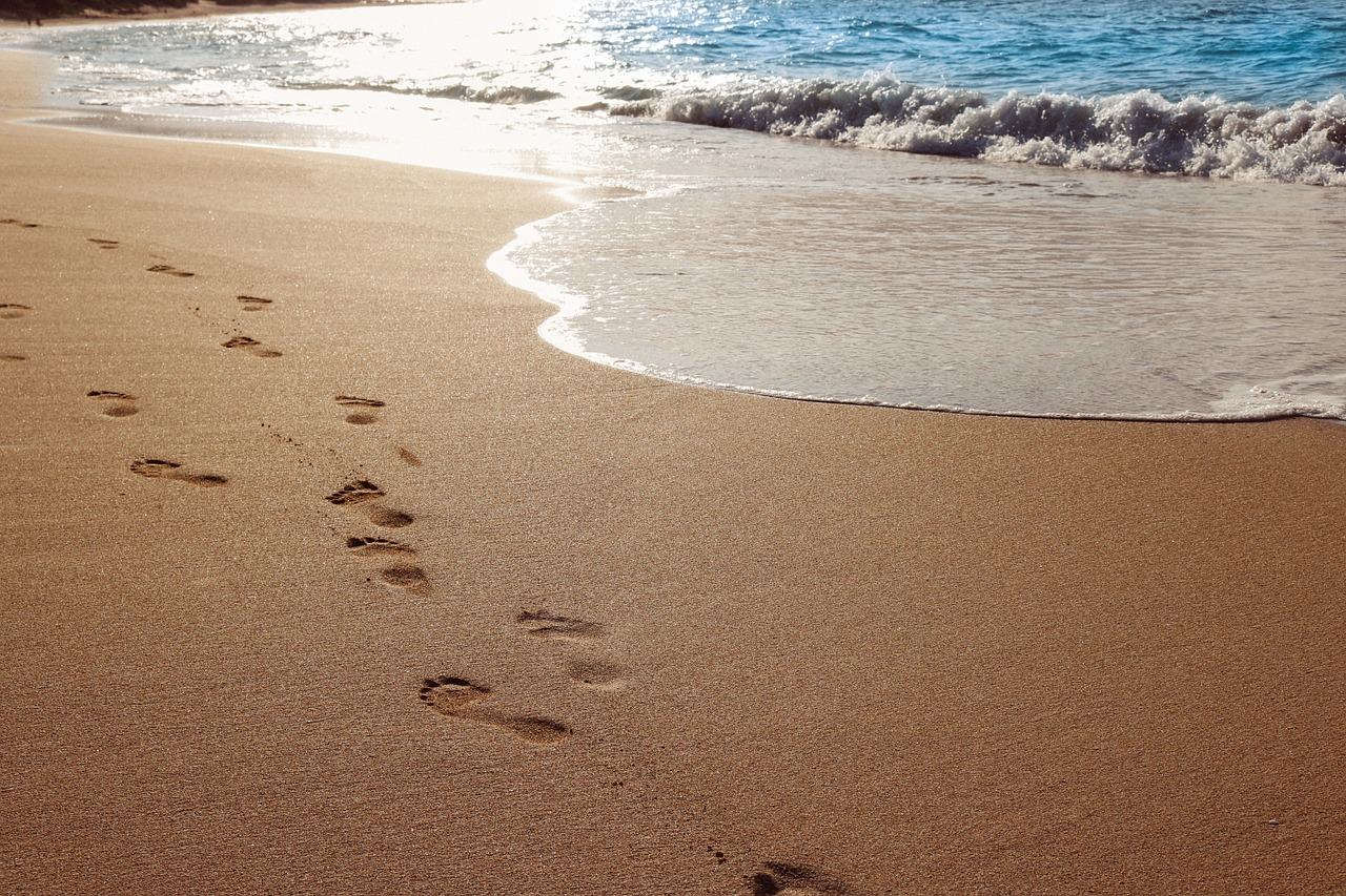 "<a href=""https://pixabay.com/en/sand-beach-ocean-water-footprints-937387/"">Avoid the full sun during the day 