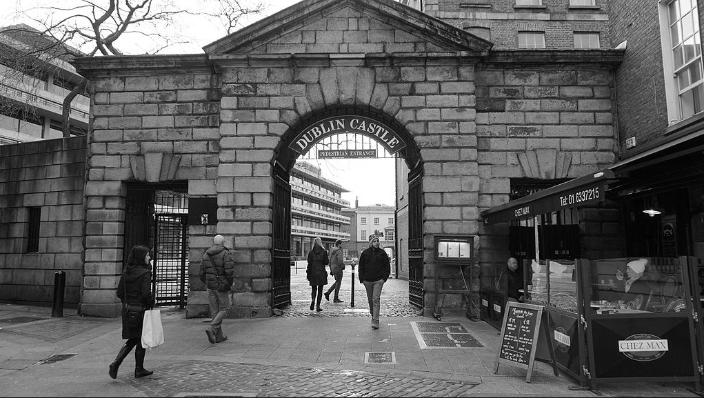 Chez Max outside Dublin Castle | © CraftyCaedus/WikiCommons