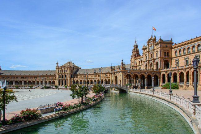 "<a href=""https://pixabay.com/en/space-spain-seville-architecture-825551/"">Seville's Plaza de España | © bogitw/Pixabay</a>"