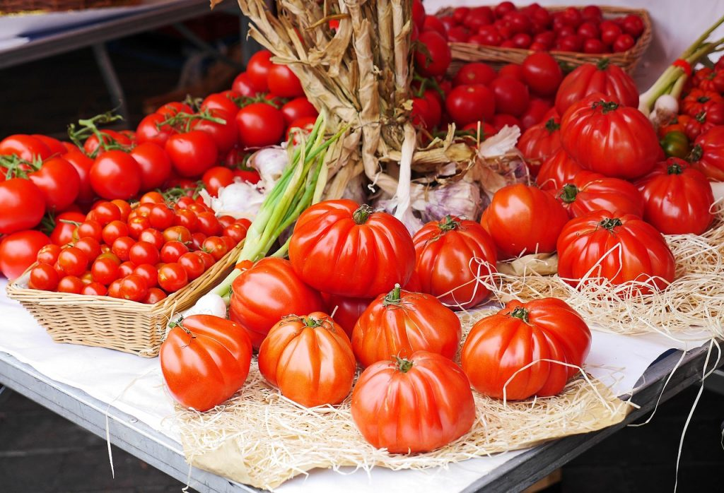 "<a href=""https://pixabay.com/en/tomatoes-farmers-local-market-stand-1459069/"">Market stall 