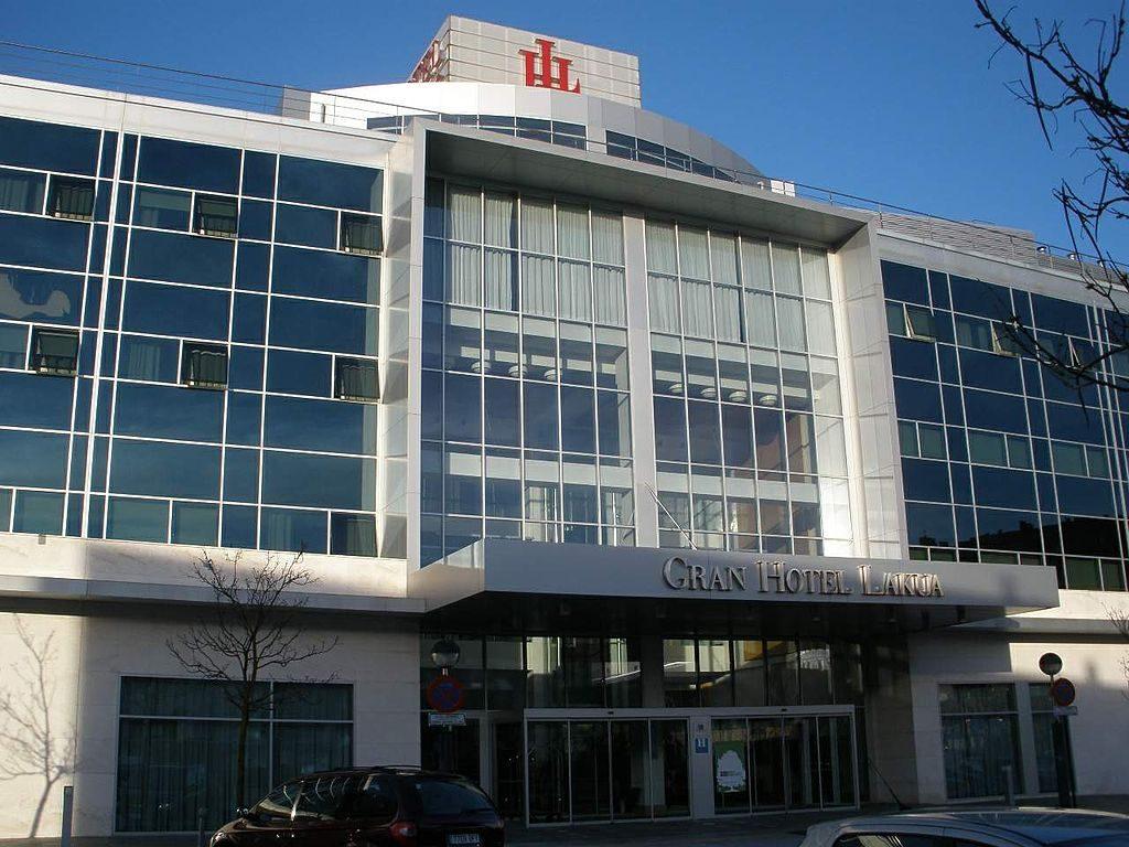 Gran Hotel Lakua, Vitoria Gasteiz | ©Zarateman / Wikimedia Commons