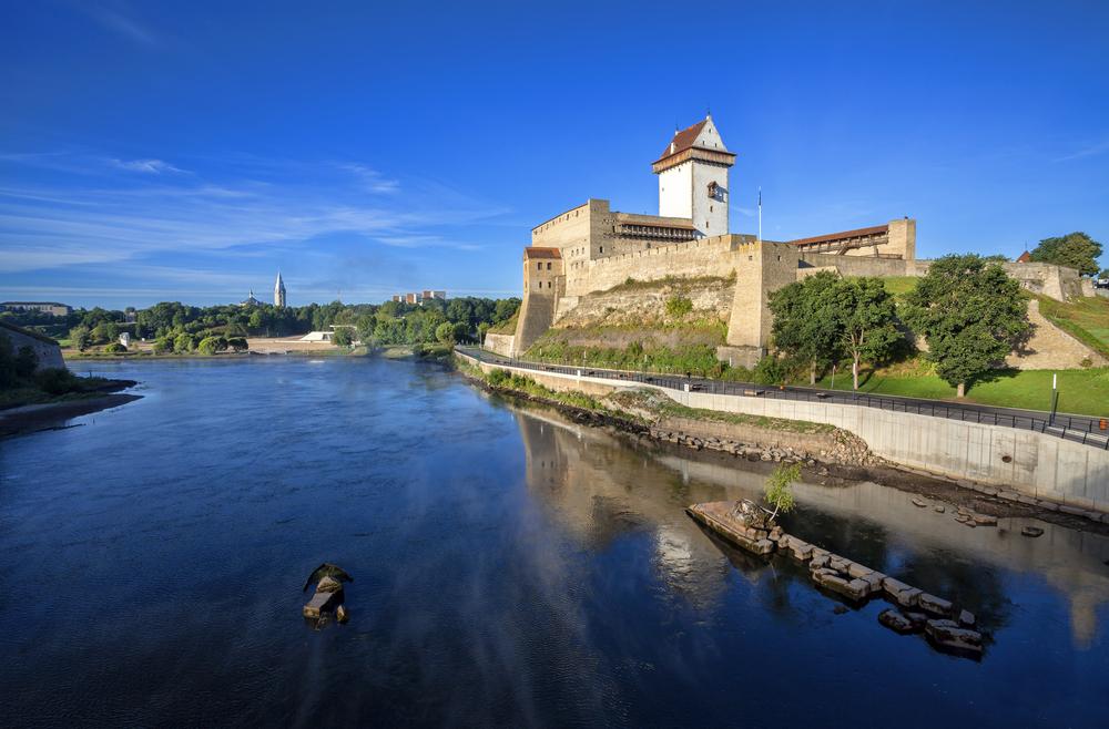 Narva Castle | ©Vladimir Sazonov/Shutterstock