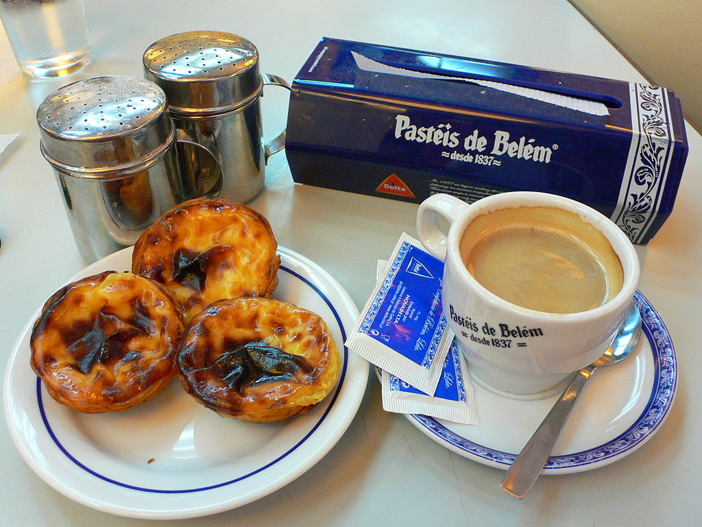 https://commons.wikimedia.org/wiki/File:Pasteis_de_Belem_(4128575449).jpg