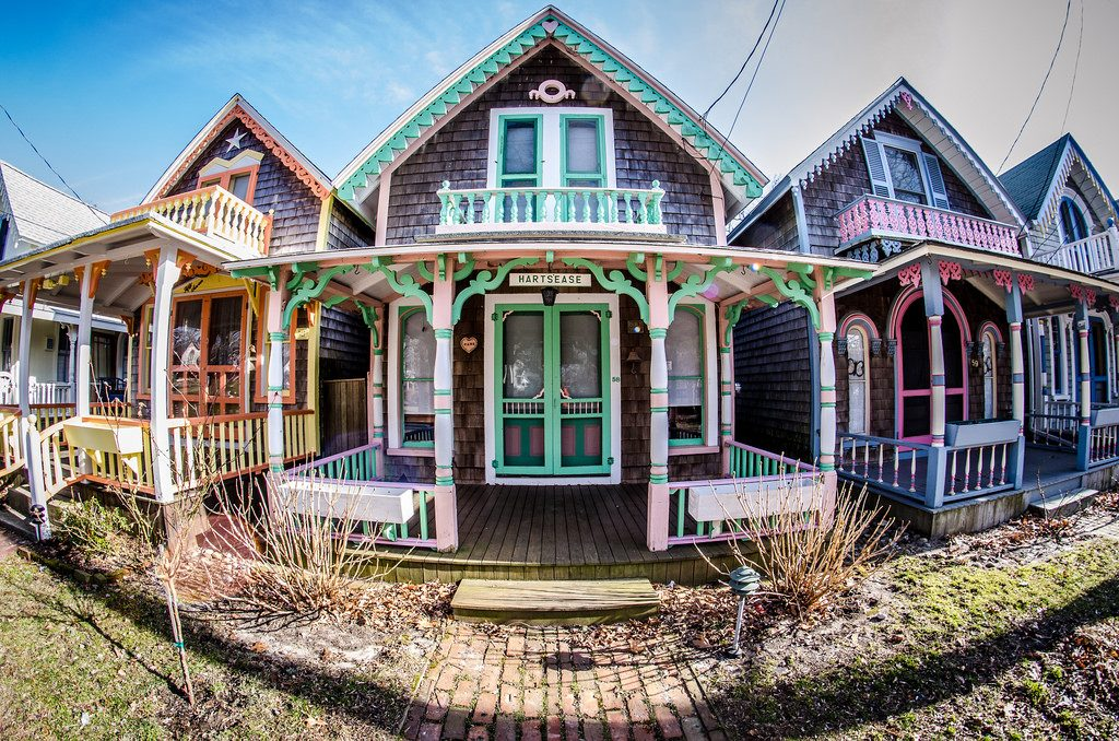 Fisheye of Martha's Vineyard's gingerbread houses in Oak Bluffs | © m01229 / Flickr