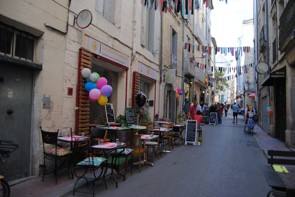 10 places to buy souvenirs in montpellier. Black Bedroom Furniture Sets. Home Design Ideas
