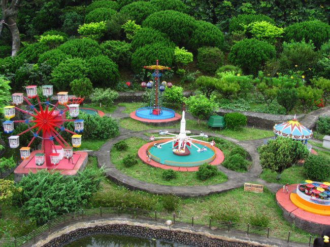 12 Of The Oddest Theme Parks In China