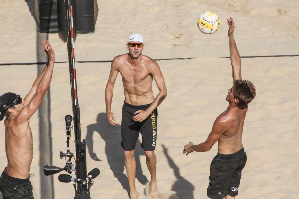 Trevor Crabb prepares to spike the ball in the men's final.   © Culture Trip/Amanda Suarez