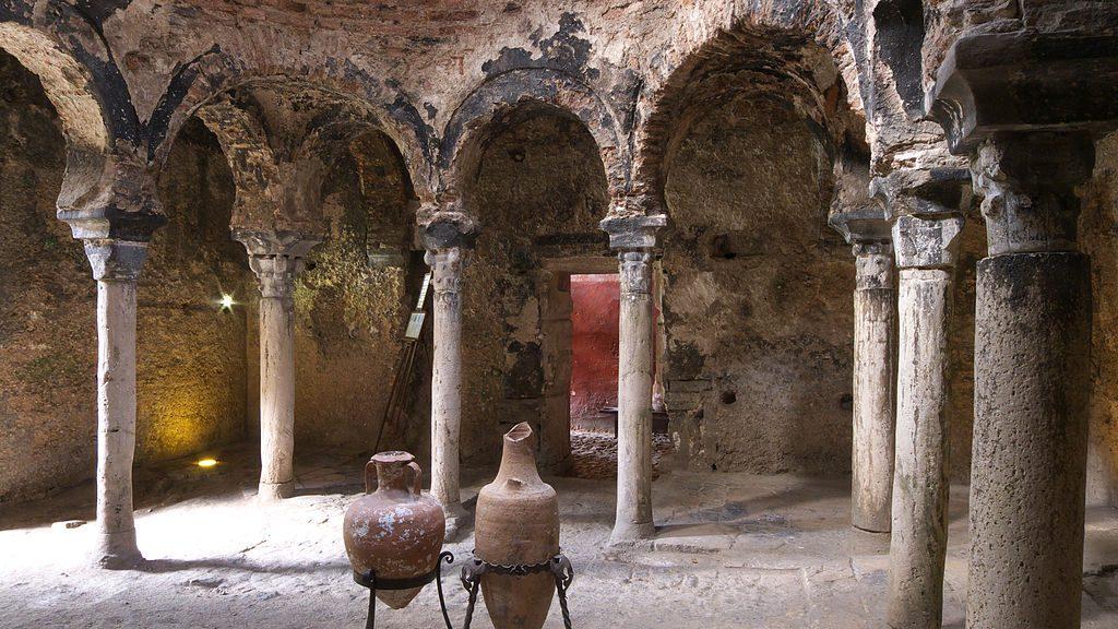 Banys Arabs © José Luis Filpo Cabana / Wikimedia Commons