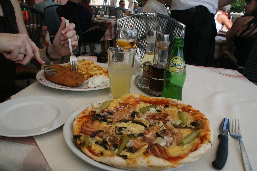 Cheap eats in Split | © Erin and Joe/Flickr