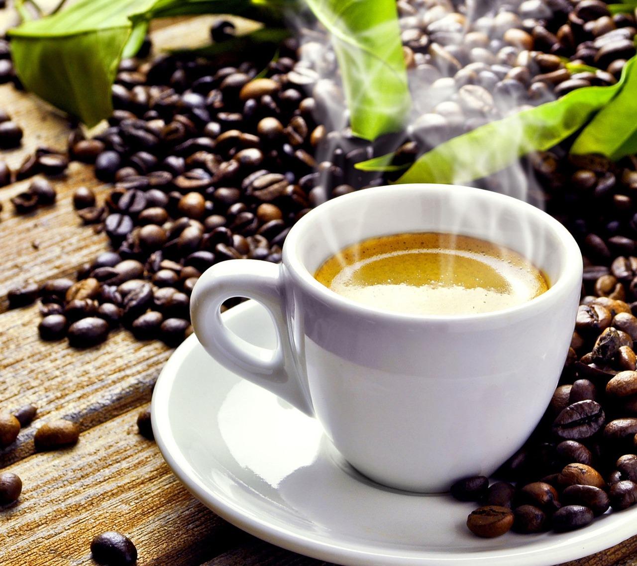 https://pixabay.com/es/caf%C3%A9-cafe-copa-platillo-caliente-1149983/