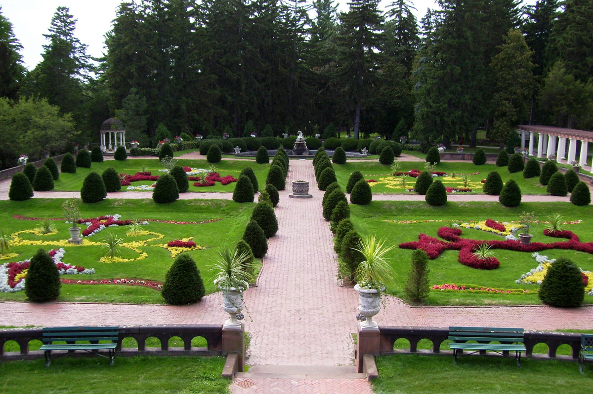 Most beautiful gardens - Sonnenberg Gardens Mansion State Historic Park Finger Lakes Region New York