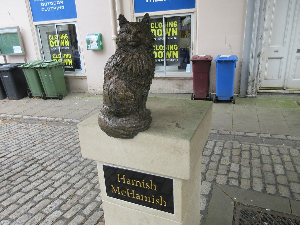 Hamish McHamish Statue | © Scott Cormie/Geograph
