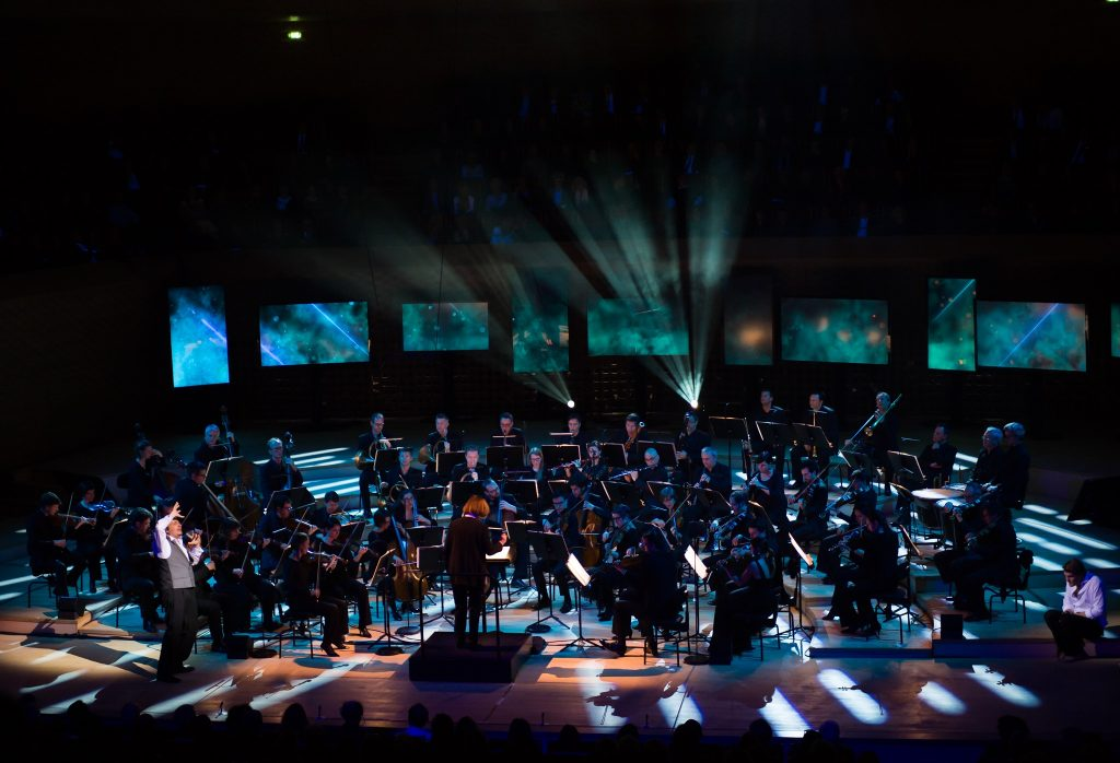 Insula orchestra performing in the Auditorium│ © Julien Benhamou, Courtesy of La Seine Musicale