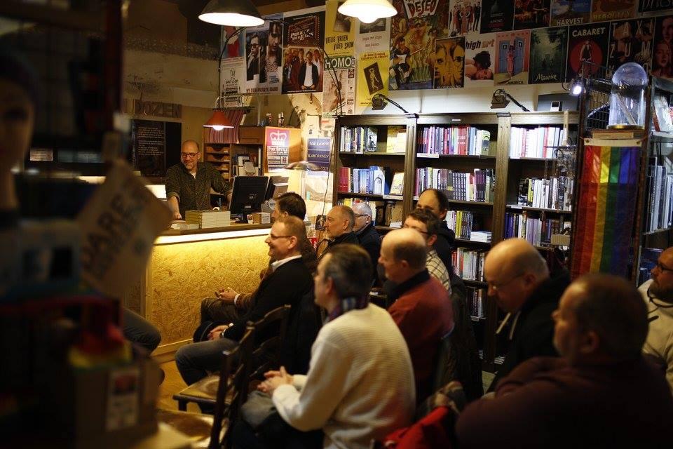 A reading at Kartonnen Dozen | courtesy of Kartonnen Dozen