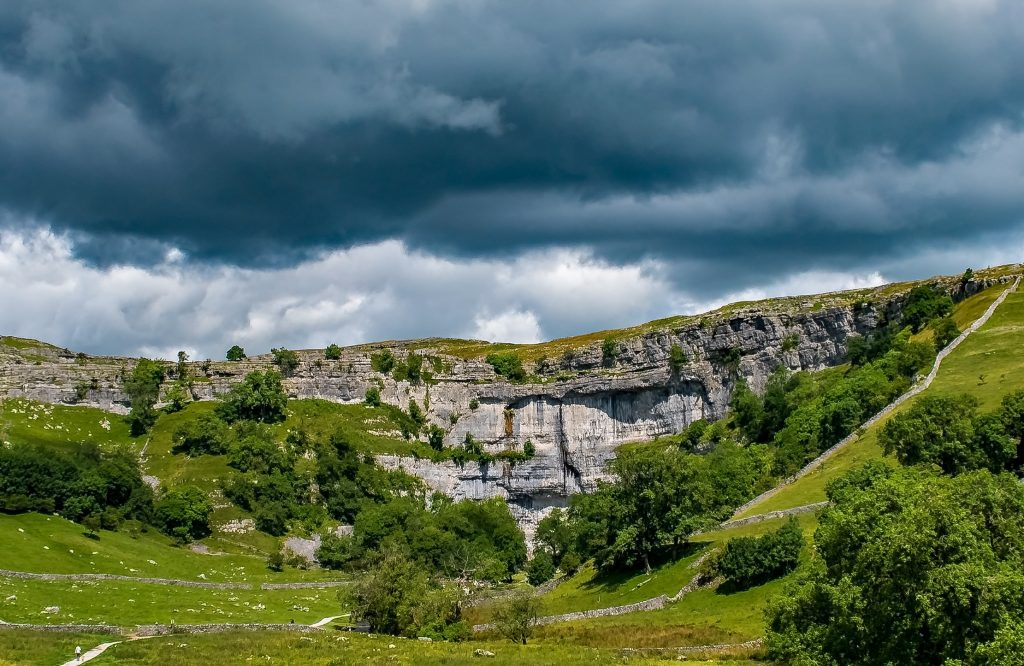 Malham Cove | © Andy Rothwell/Flickr