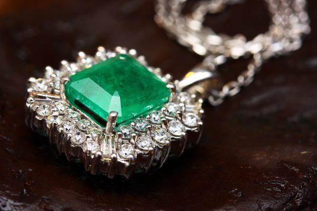 Emerald buying guide international gem society igs.