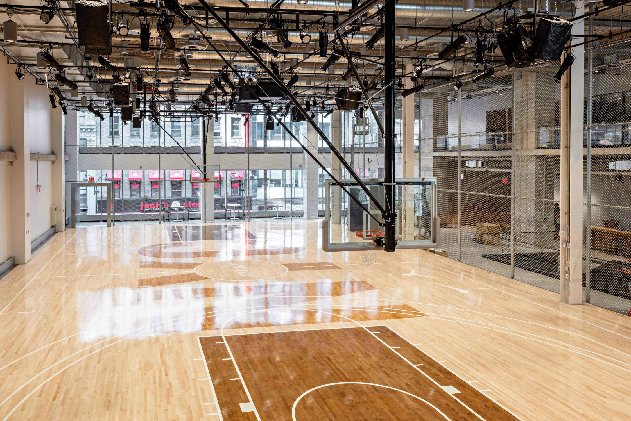Look Inside Nike S Stunning New Manhattan Headquarters