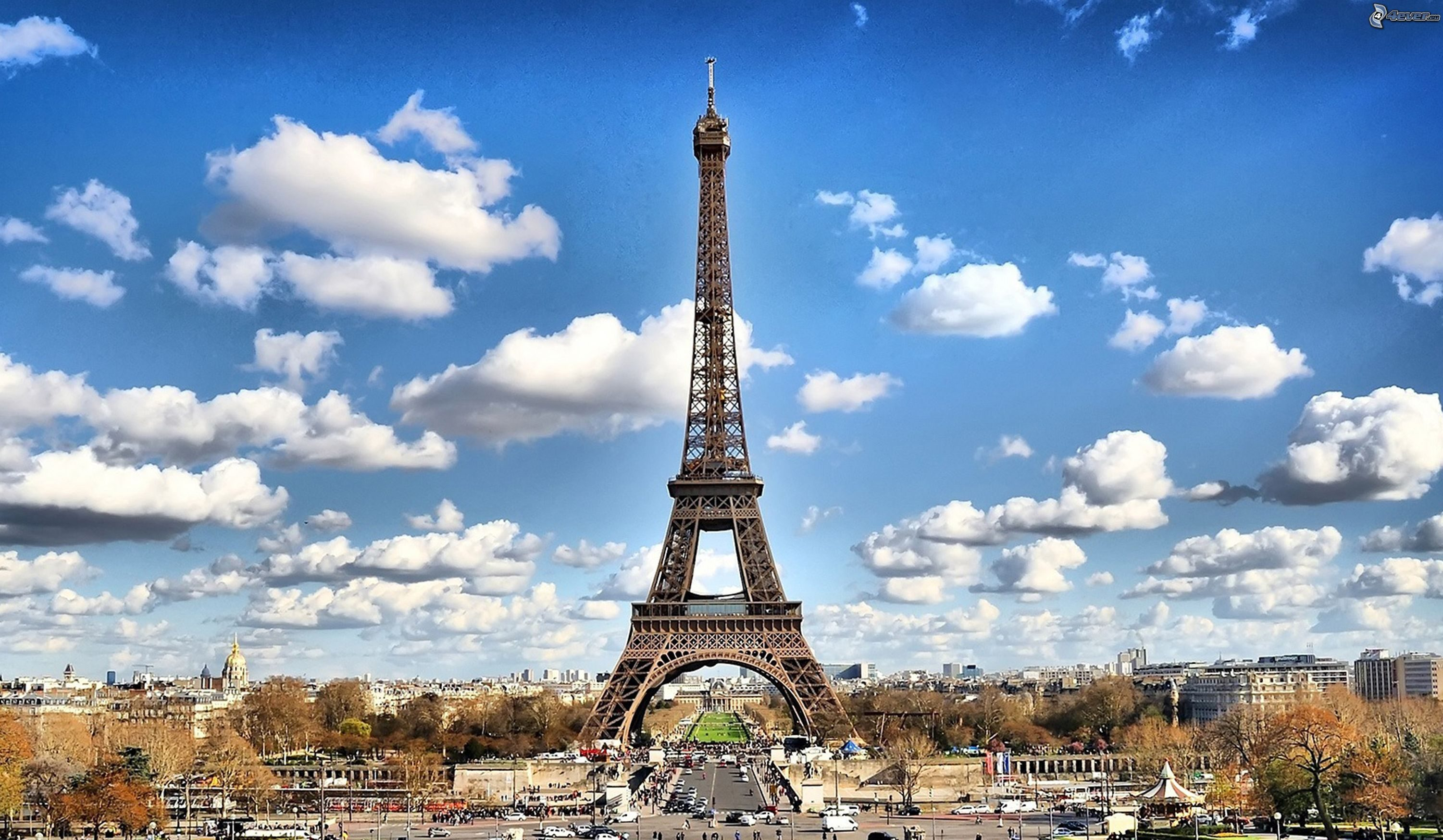 11 Hacks Every Tourist Should Know When Visiting the Eiffel