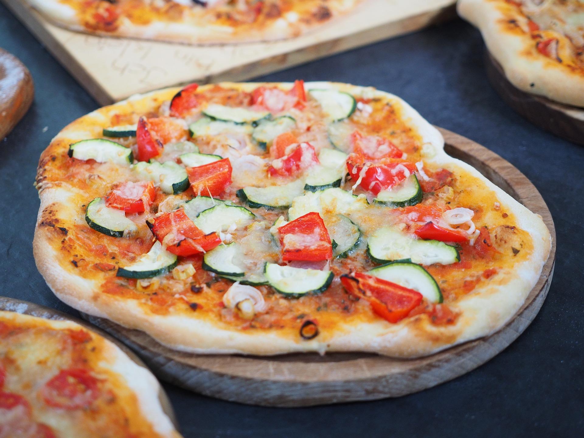Pizza | © Hans Braxmeier/Pixabay